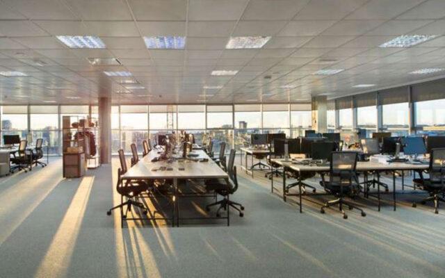 """Proyecto """"Oficinas Sede Central Broker Genius"""" (Barcelona)"""